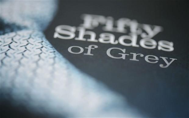 """E. L. James — """"50 twarzy Greya"""" (Recenzja książki)"""