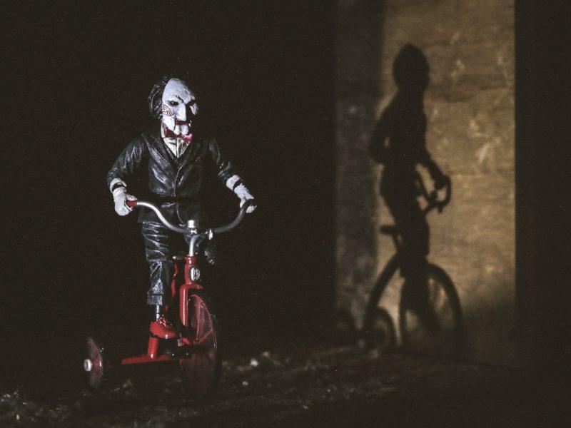 90+ najlepszych horrorów, które warto obejrzeć