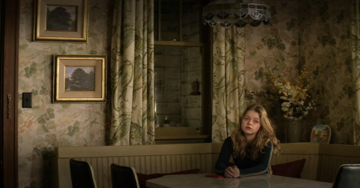 Izzy Lisko, nastoletnia siostra Hilde (klatka z serialu Home Before Dark)